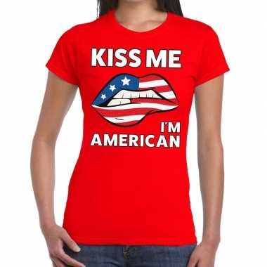 Kiss me i am american t shirt rood dames