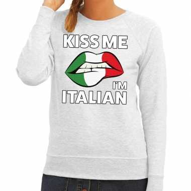 Kiss me i am italian sweater grijs dames