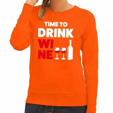 Time to drink wine tekst sweater oranje dames