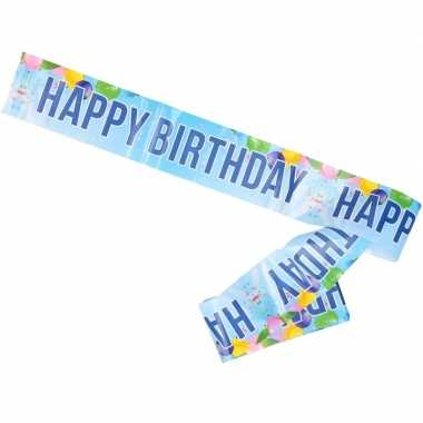 Verjaardag slinger aan muur happy birthday
